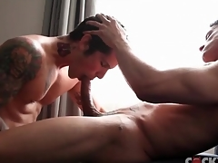 Muscular dick sucking guys are gorgeous