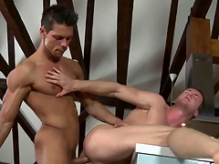 Masseur fucks a straighty and gives him bj